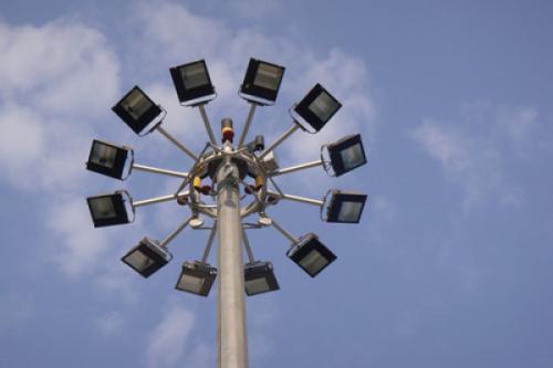 中杆灯和高杆灯的区别